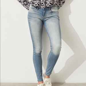 Hollister low rise jean
